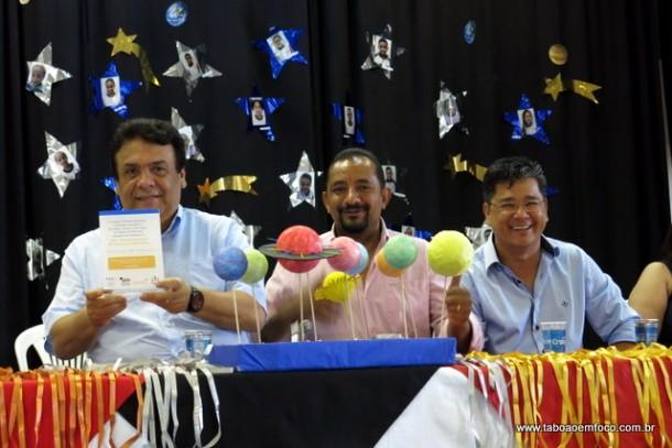 Prefeito Fernando Fernandes e os vereadores Cido e Ronaldo Onishi.