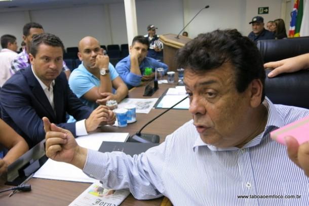 Após erro de 2004, Fernando Fernandes promete escolher nome de sucessor com dois anos de antecedência.