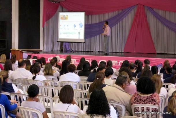 Palestras no Cemur dão início ao Outubro Rosa, mês da prevenção ao câncer do mama.