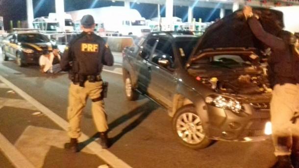 PRF recuperou carro roubado em Taboão da Serra, que era transportado para o interior da Bahia. (Foto: Divulgação / PRF)