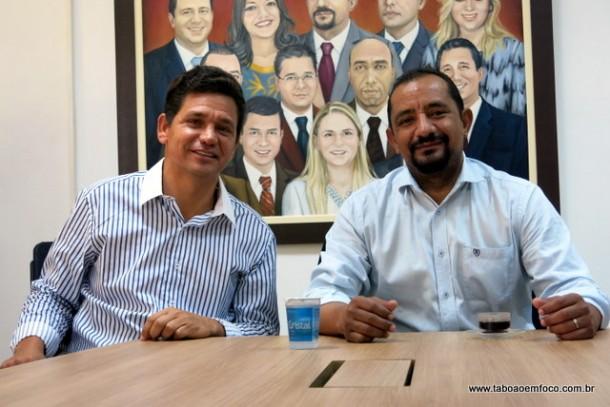 Silvani Barros e o vereador Cido durante visita a Câmara Municipal.