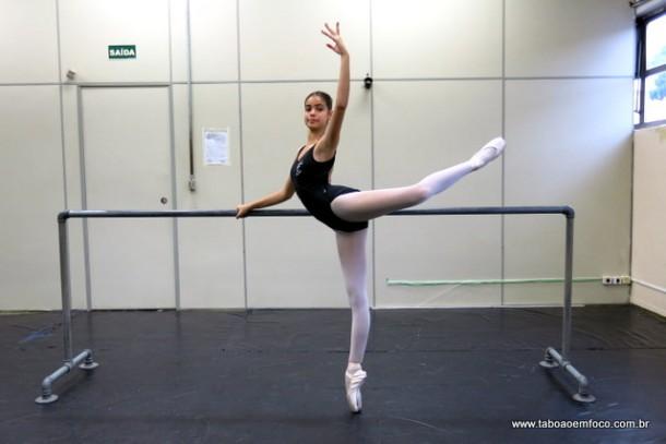 A jovem bailarina Cibele Fioravante vai participar de Festival em Berilm, na Alemanha, em fevereiro de 2017.