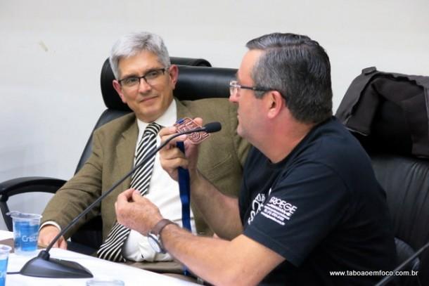 Delegado titular do 1º DP de Taboão da Serra, Gilson Leite, se despede em reunião do Conseg Monte Alegre.