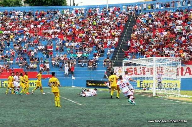 Lance do gol de empate contra o Madureira. Apesar de ter virado para 2 a 1, o Cats sofreu um gol no fim do jogo e a partida terminou em 2 a 2.