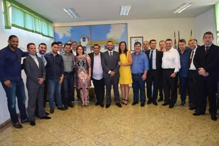 Novos secretários tomam posse em Embu das Artes (Foto: Divulgação)