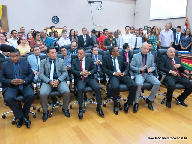 Vereadores assumem novo mandato de quatro anos em Embu das Artes.