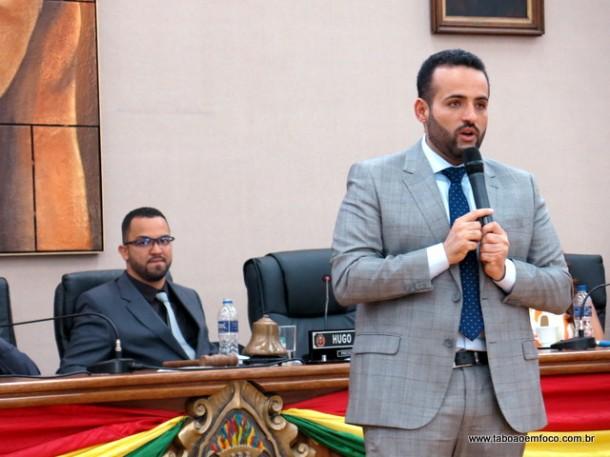 Ney Santos pede a confiança da população embuense.