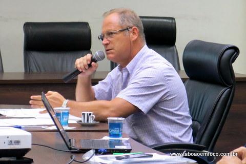 Secretário da Fazenda, Adelço Buhrer, prestou contas e tirou dúvidas dos vereadores.