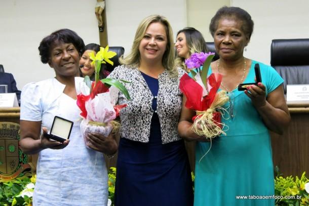 Erica da Enfermagem entrega Medalha Laurita Ortega Mari de 2017