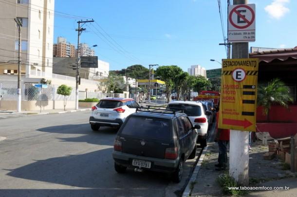 Importante via do Centro de Taboão da Serra agora tem horário de estacionamento limitado.