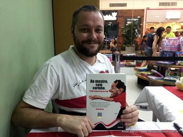 Felipe Morais revela seu amor pelo São Paulo com Livro em homenagem ao ex-técnico Telê Santana.
