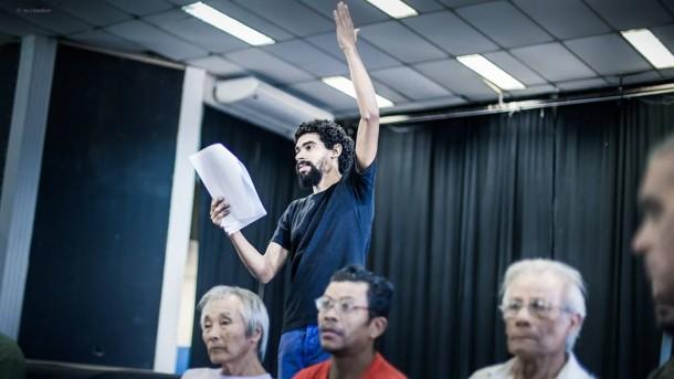 No papel de Jesus, ator Washigton ensaia no Cemur. (Foto: Wladimir Raeder / Divulgação)