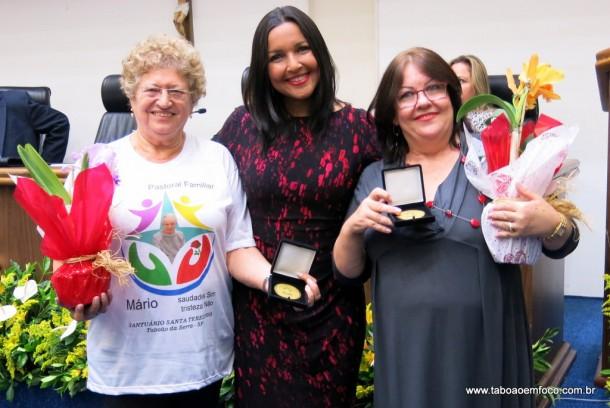 Joice Silva entrega Medalha Laurita Ortega Mari de 2017