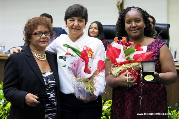 Rita de Cassia entrega Medalha Laurita Ortega Mari de 2017