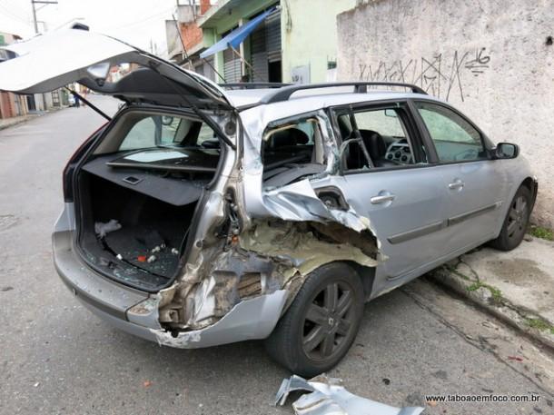 Esse foi um dos carros destruídos pelo caminhão, que bateu em pelo menos 11 veículos na região do Parque Pinheiros.