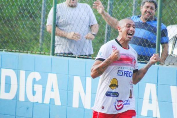 Acosta marcou três gols na vitória do Cats e garantiu equipe na próxima fase. (Foto: Thiago Walter)