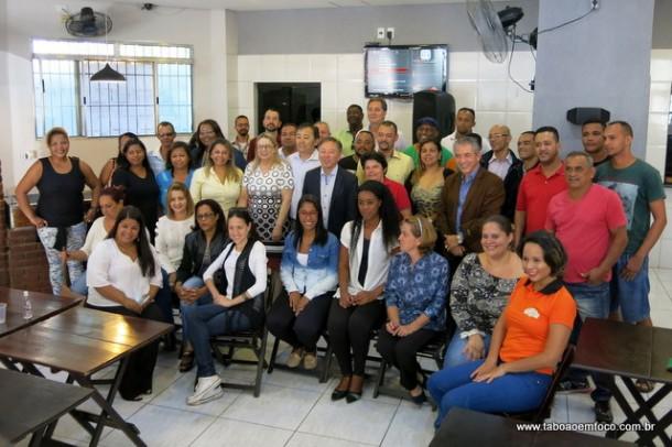 Professor Moreira promove café da manhã com militantes para receber o deputado federal Walter Ihoshi.