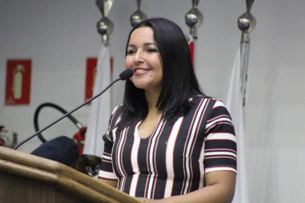 Presidente Joice Silva comemora sucesso do programa Família Hospedeira em Taboão da Serra. (Foto: Divulgação / CMTS)