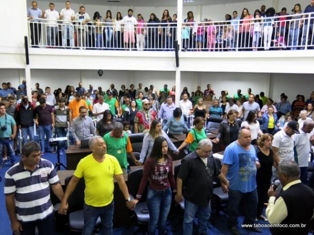 Plenário da Câmara Municipal ficou lotado durante prestação de contas do vereador Professor Moreira.