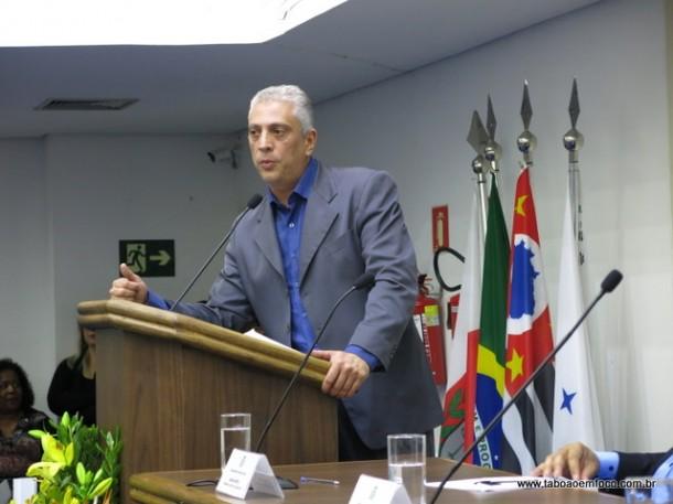 Roberto Lamari preside a associação das escolas do legislativo no Estado de São Paulo.