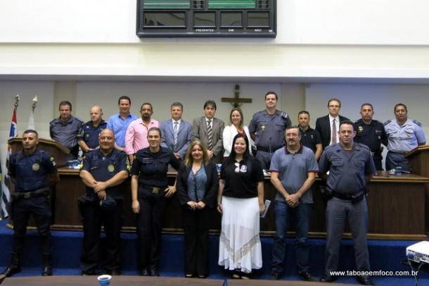 Câmara debate segurança em Taboão da Serra com autoridades policiais.