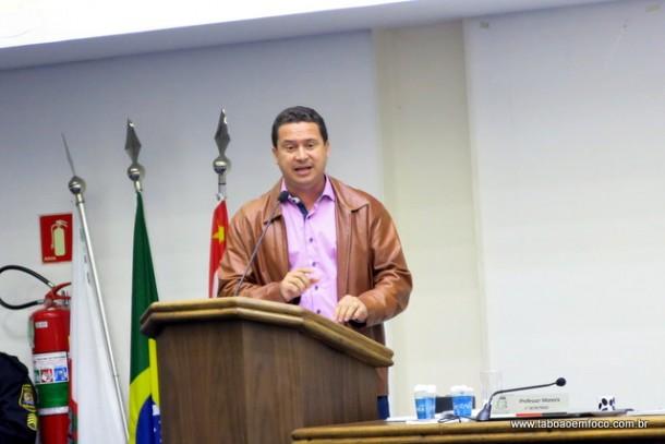 Eduardo Nóbrega cobrou que vereadores também fossem a tribuna para falar sobre a resposta negativa do prefeito aos servidores.