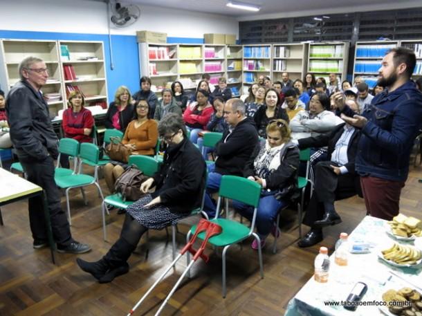 Encontro com Gregório Bacic reuniu alunos, professores e até o vice-prefeito de Taboão da Serra, Laércio Lopes.