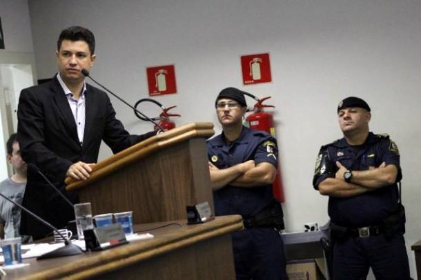 Vereador Paulinho elogia atuação da GCM em Taboão da Serra e cobra a presença mais ostensiva da PM. (Foto: Thiago Walter)