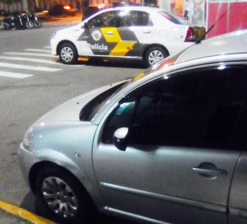 Esse era o carro dublê, que está gerando multas para outro emplacado em Taboão da Serra. (Foto: Policia Militar Rodoviária)