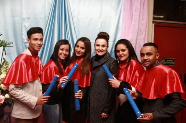 A deputada estadual Analice Fernandes, idealizadora do Programa Lado a Lado, prestigiou a cerimônia de formatura dos 777 alunos. (Foto: Ricardo Vaz / PMTS)