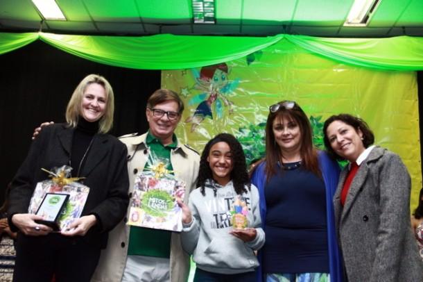 """Ao todo 21 alunos da Rede de ensino de Taboão foram premiados pelo concurso """"Mitos e Lendas"""". (Foto: Ricardo Vaz / PMTS)"""