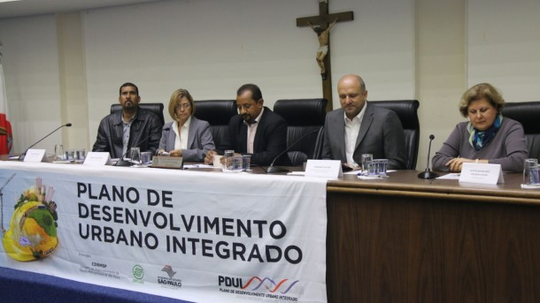No início de 2016, uma das reuniões aconteceu na Câmara de Taboão da Serra. (Foto: Divulgação)