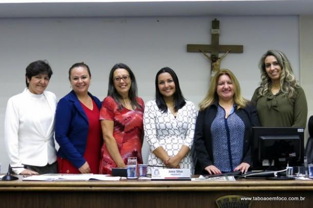 Vereadoras de Taboão da Serra com a coordenadora dos direitos da mulher, Sueli Amoedo, e a corregedora da GCM, Sandra Fidelis.