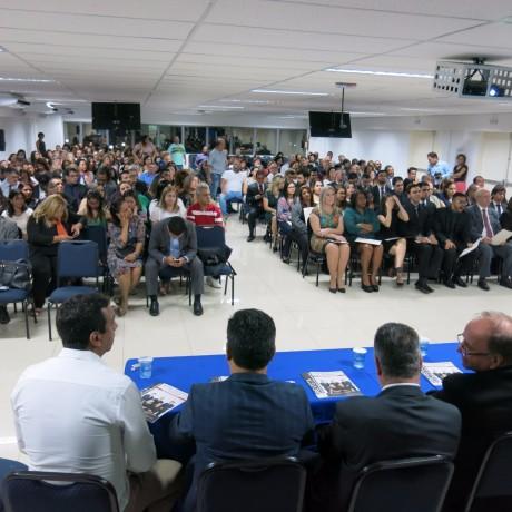 Auditório da Fecaf ficou lotado no lançamento da Revista da 211ª Subseção de Taboão da Serra. (Foto: Sandra Pereira / Jornal Na Net)