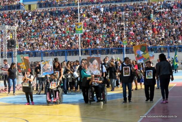 Desfile 7 de Setembro é realizado na Arena Multiuso no Jardim Record.