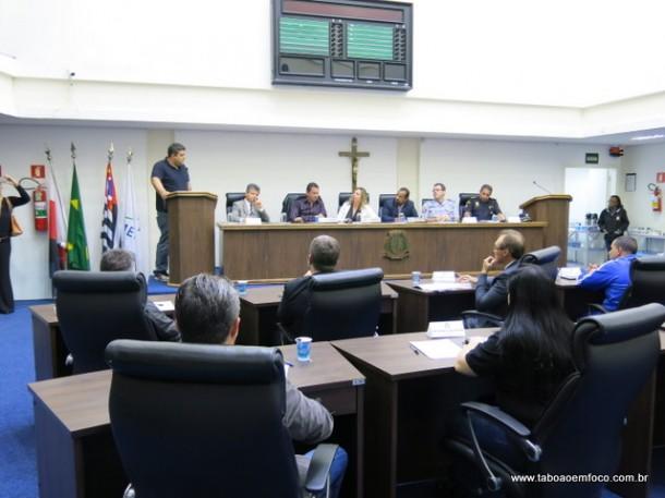 Moradores cobram mais segurança para Taboão da Serra.