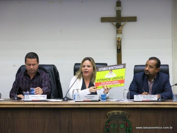 Érica Franquini é a presidente da Comissão de Segurança da Câmara Municipal de Taboão da Serra. Eduardo Nóbrega (esq) e Cido são da mesma comissão.