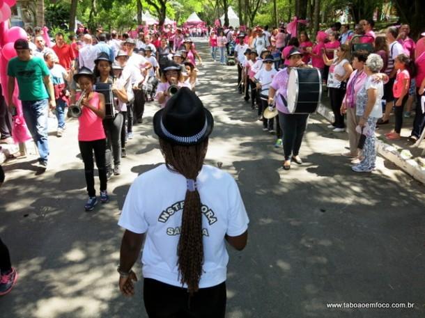 Ao longo da manhã, uma série de atividades agitou as pessoas que foram ao Parque das Hortênsias.