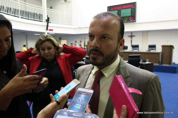 Por prevenção do câncer de próstata, projeto de lei do vereador Carlinhos do Leme inclui no calendário oficial do município o dia 1º de novembro como data da intensificação ao combate ao câncer de próstata.