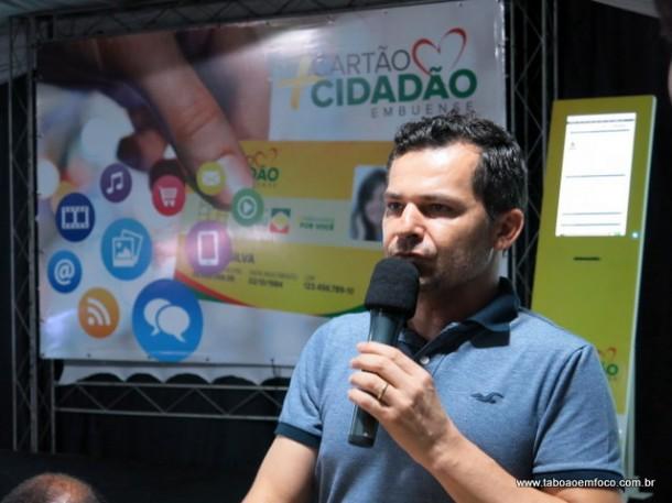 Proprietário de uma rede de padarias, empresário Adalberto Araújo Camelo elogia Cartão Cidadão Embuense.