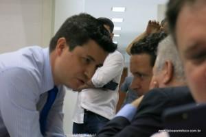Um dos líderes do G9, Marcos Paulo diz que apoio se limita ao governo atual. Presidente Joice diz que candidato sozinho não ganha eleição.