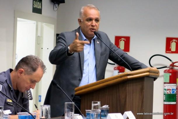 Secretário de Segurança Urbana da cidade de São Paulo, Coronel José Roberto explica como funciona o City Câmeras e promete vigiar as divisas de município em parceria com Taboão da Serra.