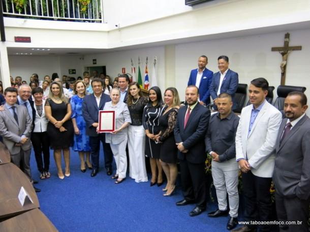 Vereadores durante entrega do título de Cidadão Taboanense a 23 pessoas.