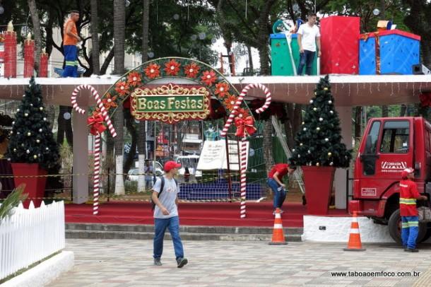 Decoração de Natal será inaugurada oficialmente na noite desta sexta (1).