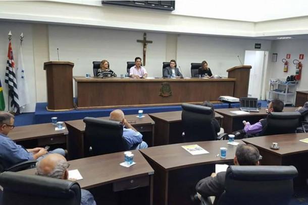 Comissão de Finanças e Orçamento durante audiência com a TaboãoPrev no início do ano. (Foto: Leandro Barreira / CMTS)
