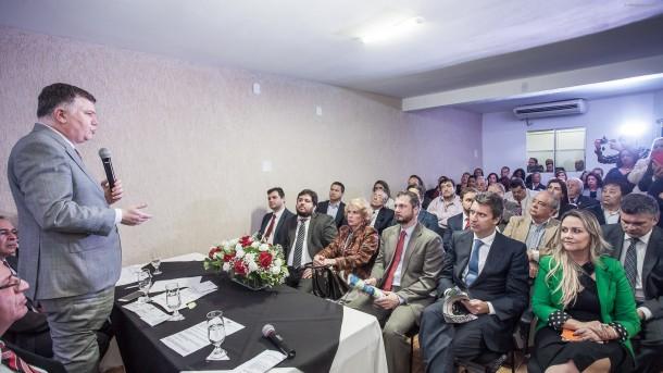 Presidente da OAB-SP Marcos da Costa enaltece o trabalho da subseção da OAB de Taboão da Serra em inauguração da Casa da Advocacia. (Foto: Wladimir Raeder/Divulgação/OAB Taboão)