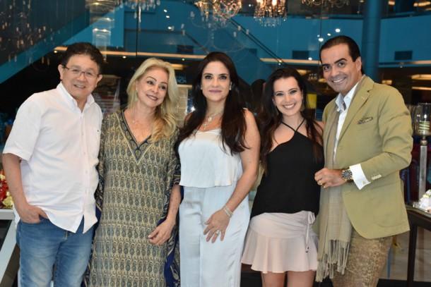 Yo Kido, Kátia Jannini,Lydia Sayeg, Izabelle Stein e Fábio Arruda, marcam presença em evento de Mesas Decoradas. (Foto: Divulgação)