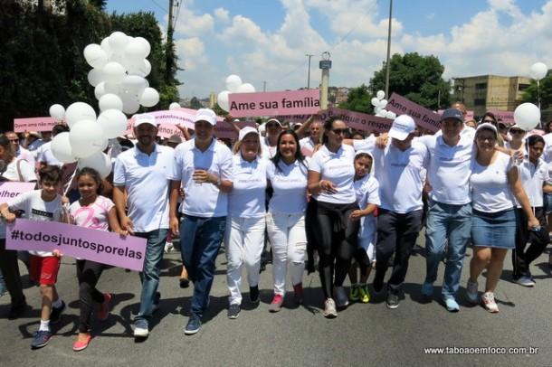 Por contemplar políticos da oposição, prefeito Fernando Fernandes desistiu de participar da caminhada.