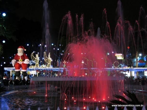 Decoração da Praça Nicola Vivilechio encanta taboanenses e chama atenção da TV Globo.