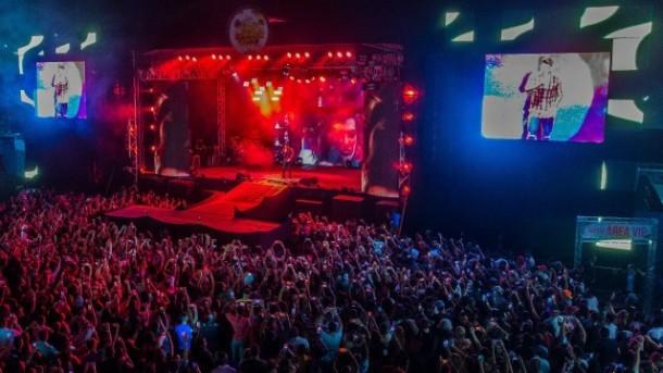 Vista aérea do palco principal no Embu Summer Fest. (Foto: Divulgação)